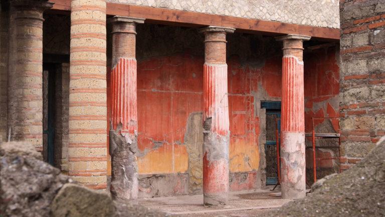 Letusdrive tours Ercolano 2 768x432 - Pompeii - Herculanuem - Mt. Vesuvius
