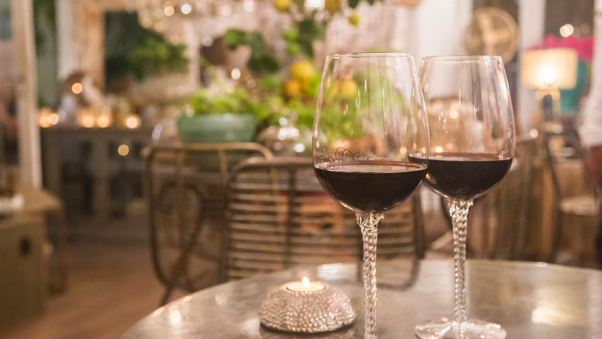 Wine1 1920x1080 - Tour del vino